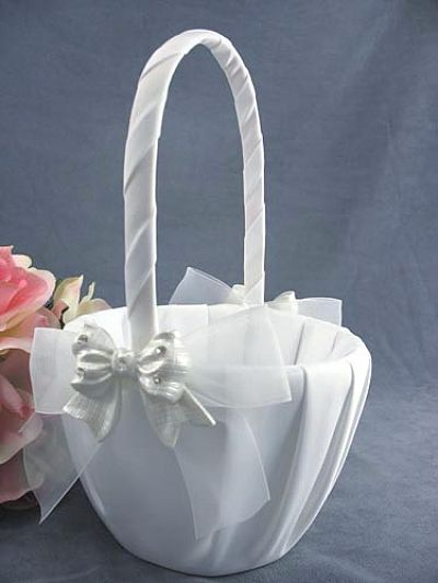 Rhinestone Pearlized Bow Wedding Flowergirl Basket