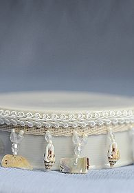 Dangling Shell Porcelain Base