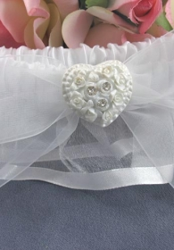 Rhinestone Pearlized Heart Rose Bouquet Wedding Garter